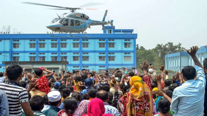 Crowd at a poll rally in West Bengal.