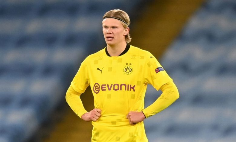 Erling Haaland autographs yellow card for ref after Dortmund's loss to Man City