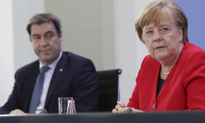 Merkel backs 'short, uniform lockdown' across Germany