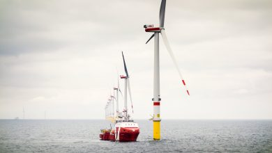 Orsted to link huge offshore wind farm to hydrogen production