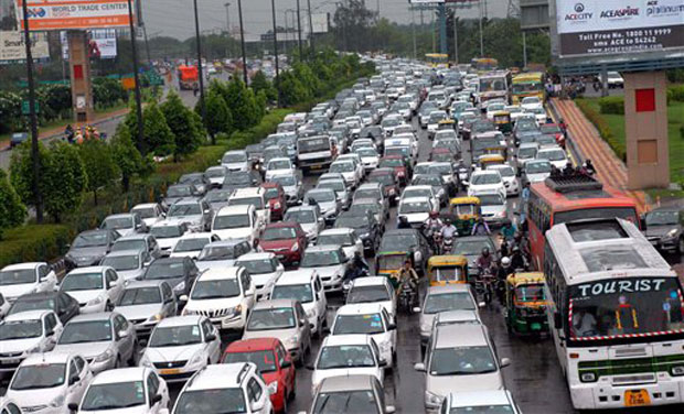 Parts of Delhi witness heavy traffic as residents rush home