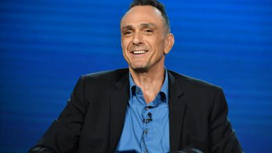 'Simpsons' star Hank Azaria apologizes for voicing Apu, calls for animated shows to stop casting white actors as characters of color
