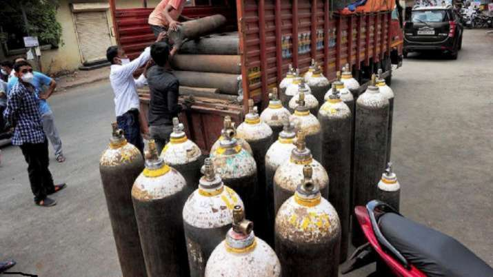 oxygen cylinders, COVID-19 patients, home isolation, Delhi government, coronavirus pandemic, covid s