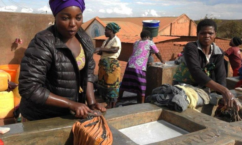 Malawi orders integrated refugees into overcrowded camp