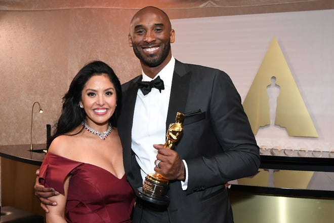 """Kobe Bryant and wife Vanessa were all smiles after he won an Oscar in 2018 for his short basketball film, """"Dear Basketball."""""""