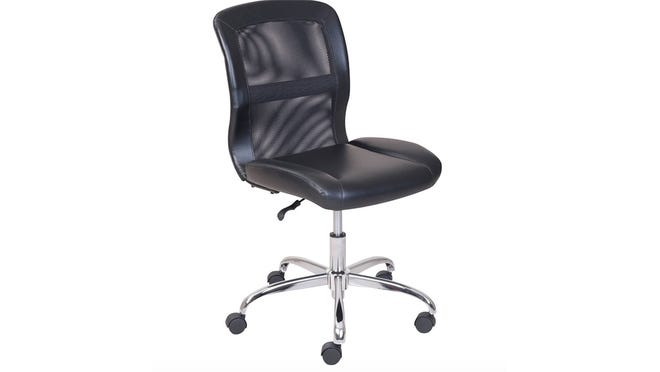 This office chair has rave reviews from Walmart customers.