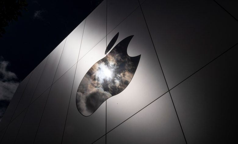 Apple employee activism sparked over ex-Facebook hire—and dismissal