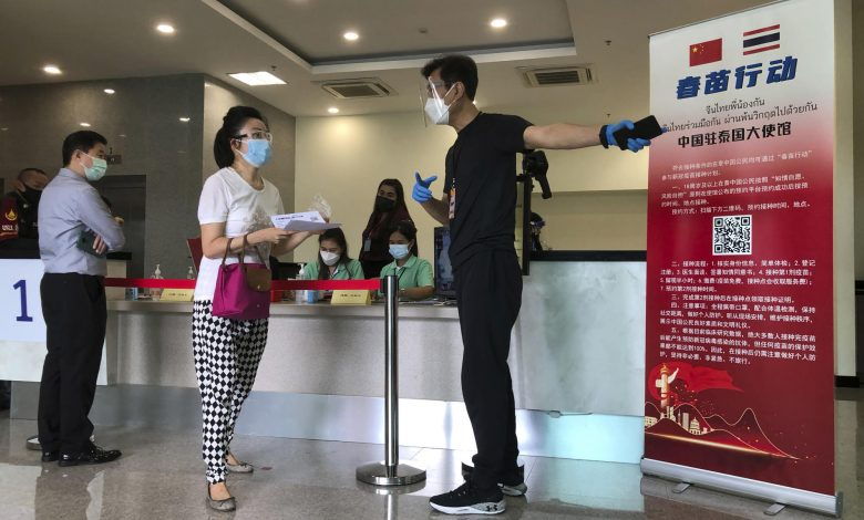 China, in global campaign, vaccinates its people in Thailand