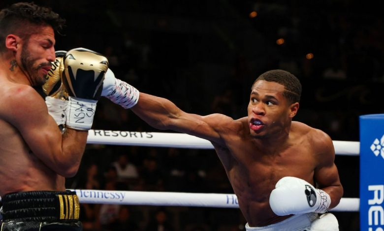 Devin Haney survives late charge by Jorge Linares to retain WBC lightweight title