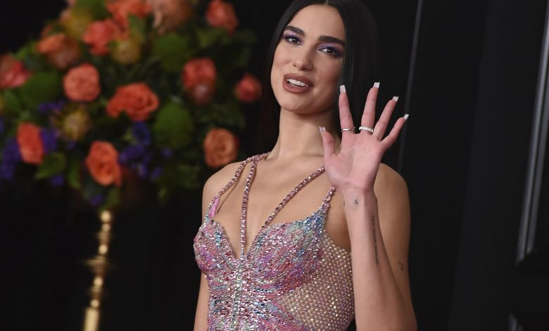 Dua Lipa blasts group that condemned her for Mideast stance