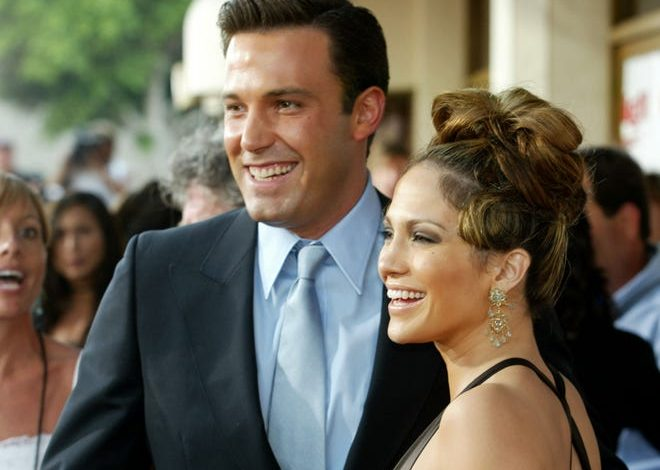 """Actress Jennifer Lopez and actor Ben Affleck attend the premiere of Revolution Studios' and Columbia Pictures' film """"Gigli"""" on July 27, 2003 in Westwood, California."""