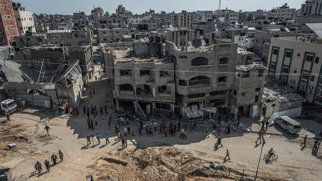 Israel, Hamas cease-fire to take effect, ending fighting in Gaza