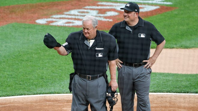 Joe West sets umpire record, is booed at Cardinals-White Sox game