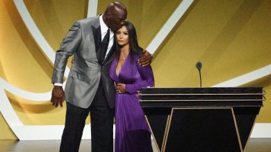 Kobe Bryant inducted into Basketball Hall of Fame with Tim Duncan, Kevin Garnett