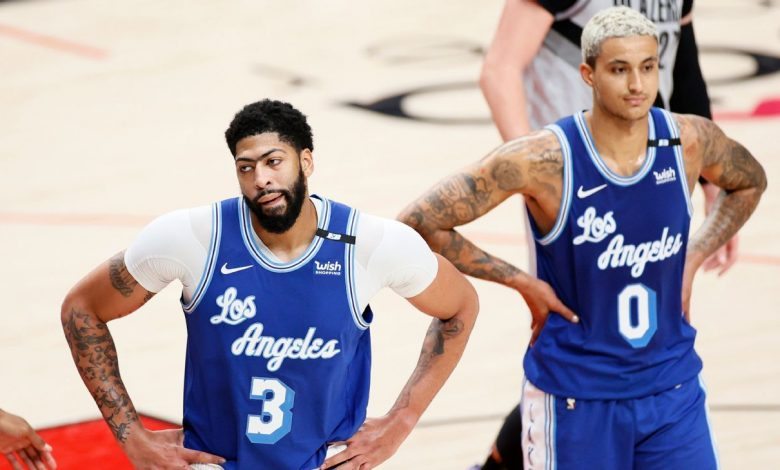 Los Angeles Lakers fall to 7th in West, find hope in Anthony Davis' big night