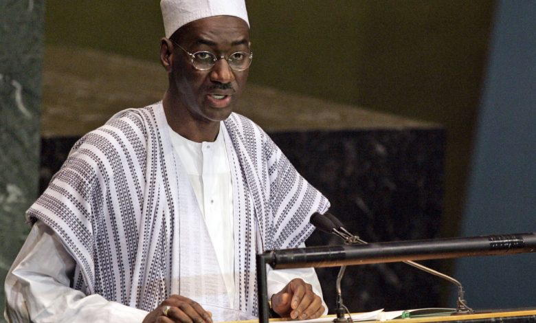 Mali's president and PM remain detained by mutinous soldiers