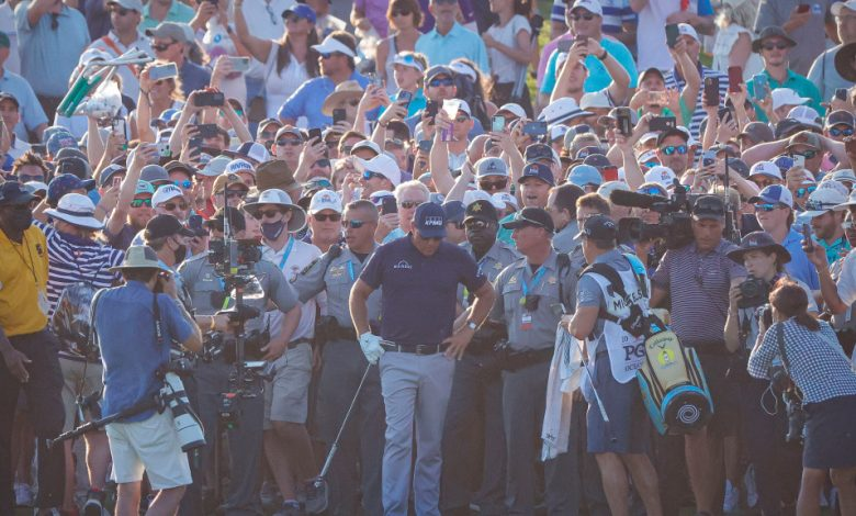 PGA's Seth Waugh apologizes to Phil Mickelson, Brooks Koepka for fans