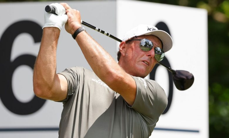 Phil Mickelson 10 back at Colonial as Jordan Spieth, Sergio Garcia share lead