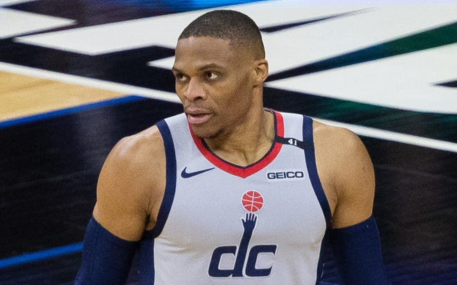 Russell Westbrook injured his ankle as the Wizards fell behind 2-0 against the Sixers.