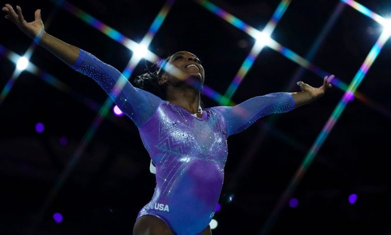 Stop everything you're doing and watch Simone Biles' Yurchenko double pike vault