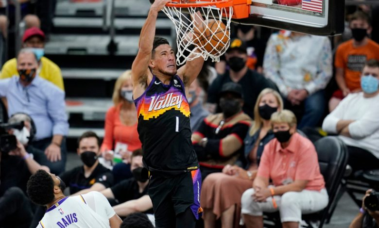 Suns win in return to playoffs