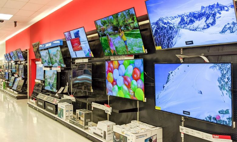 TV shopping tip: Wait until fall (at least) to get the best price