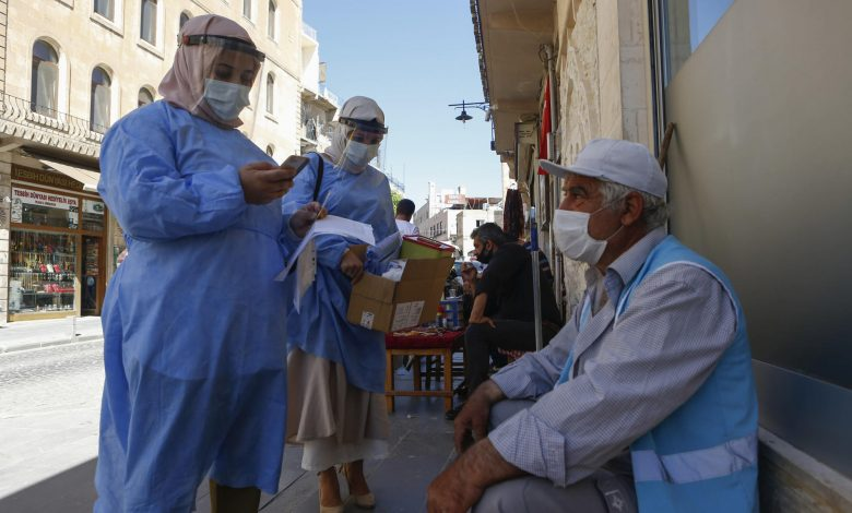 Turkish teams on mission to persuade the vaccine-reluctant
