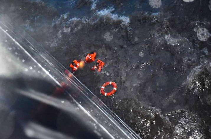 barge P305,  barge P305 rescue, indian navy,Cyclone Tauktae, Cyclone Tauktae update, ongc vessel hig