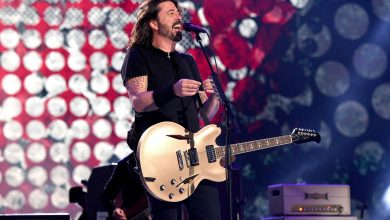 Foo Fighters concert draws protesters like Ricky Schroder