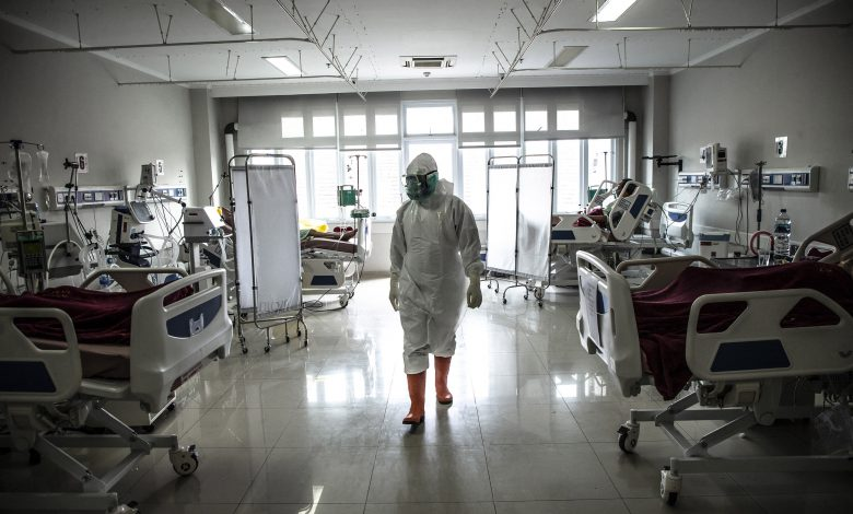 Indonesia's health-care workers struggling with a 'double burden': NGO