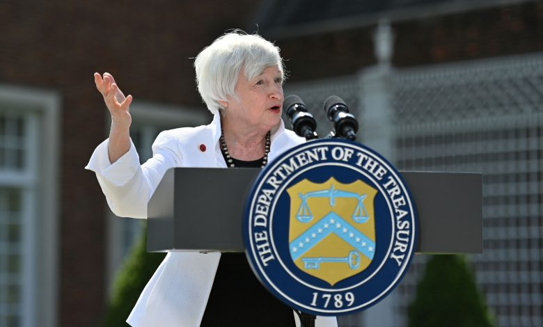 Jim Cramer says Yellen's interest rate comments 'spooked the market'