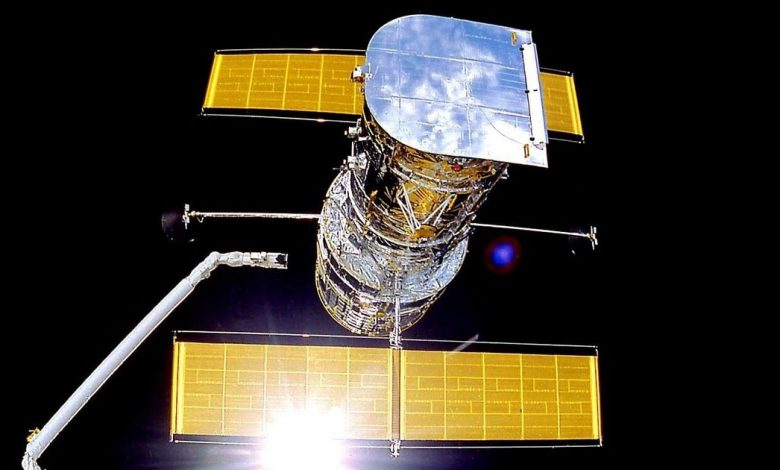NASA's Hubble Space Telescope experiences glitch, goes into safe mode