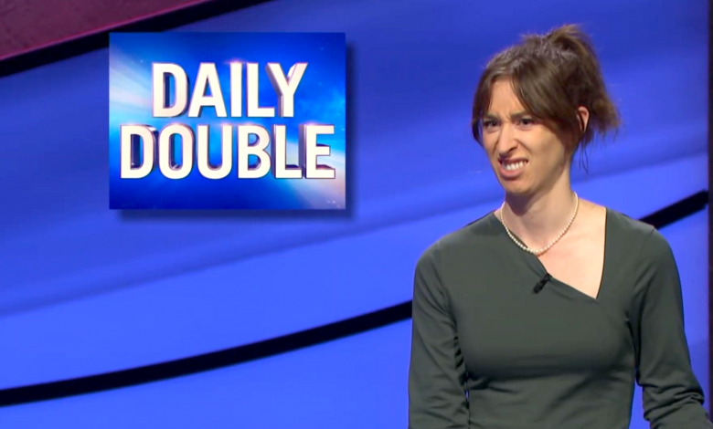 Quirky 'Jeopardy!' contestant wins over social media with her silly facial expressions