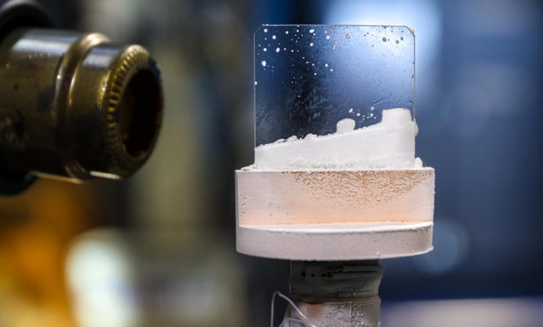"""Scientists Create Exotic """"Outer Space"""" Ice – Unlike Any on Earth"""