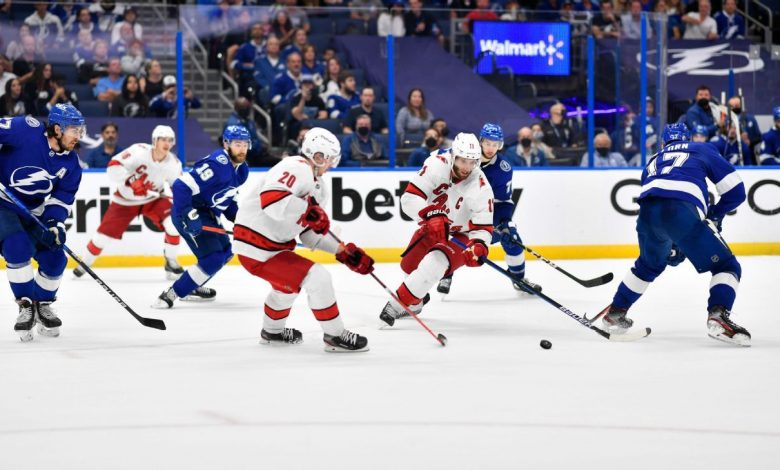 Tampa Bay Lightning on verge of closing out the Carolina Hurricanes