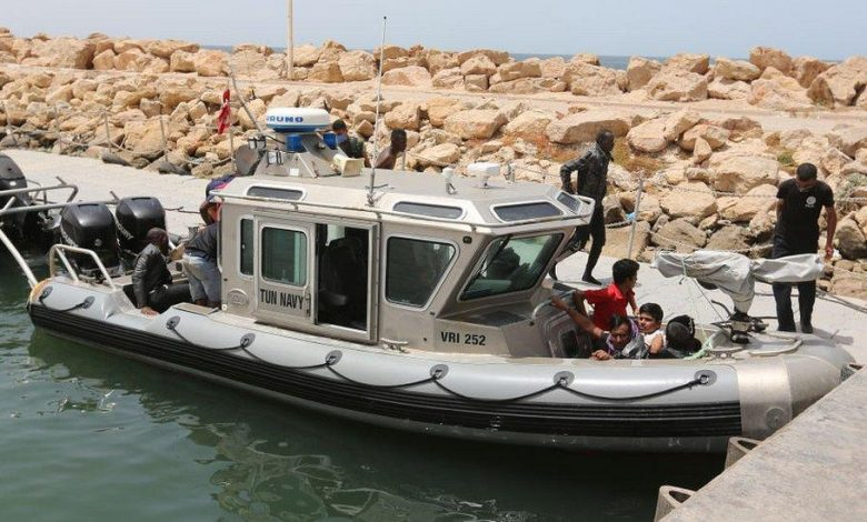 Boat sinks off Tunisia drowning 43