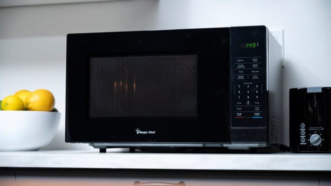 The Magic Chef 1.1 Cubic-Foot Countertop Microwave is our favorite affordable countertop microwave.