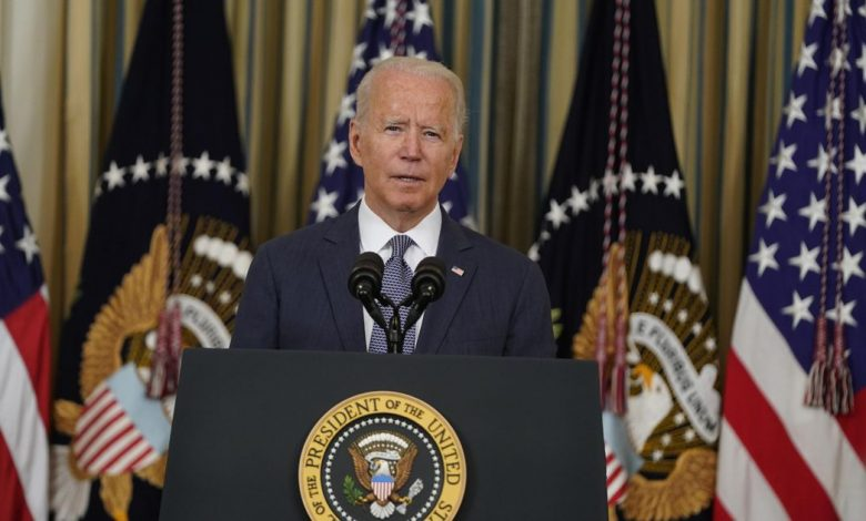 Biden signs order pushing for more scrutiny of tech giants