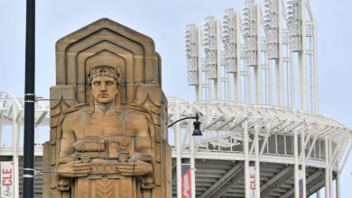 Fans take a swing at Cleveland Indians changing name to Cleveland Guardians
