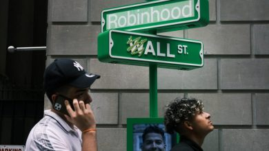 Global stock markets rise as Robinhood's IPO falters