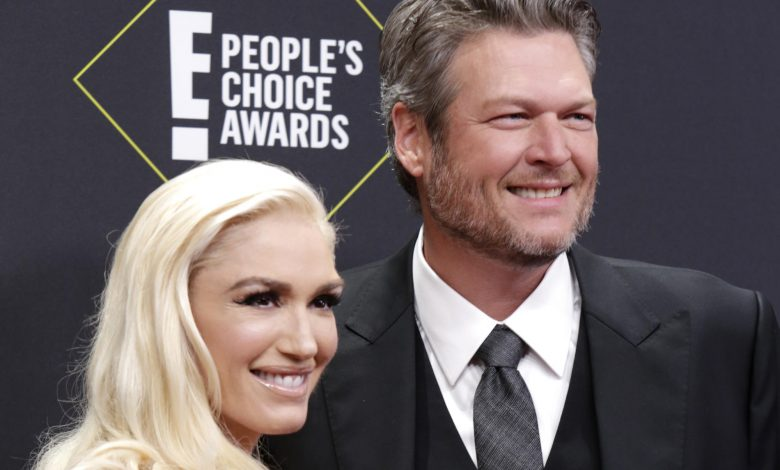 Gwen Stefani and Blake Shelton share 1st photos from their wedding