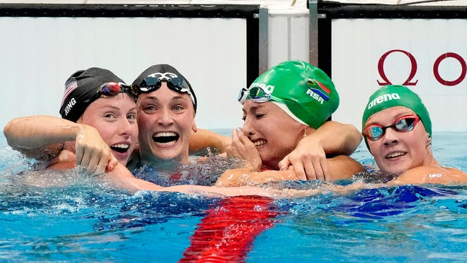 Katie Ledecky wins gold in 800 free, takes 4 medals at 2021 Olympics
