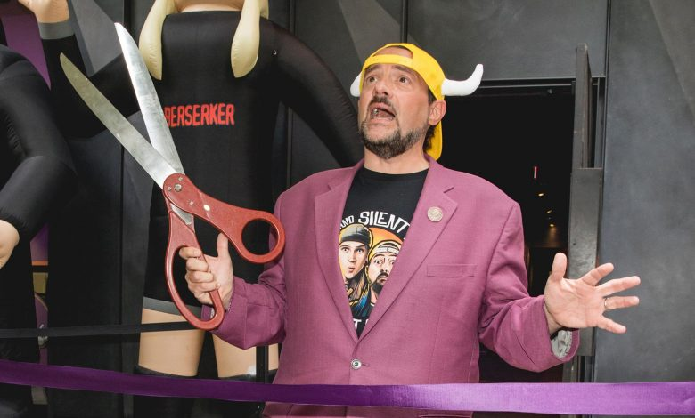 Kevin Smith made the 'Clerks' convenience store 'world famous.' Now he's back there with bigger plans.