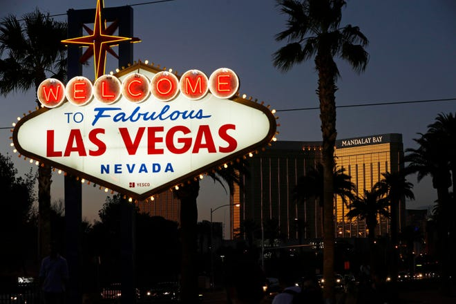 Nevada health officials are recommending both unvaccinated and vaccinated people wear masks in crowded indoor public places, including casinos.