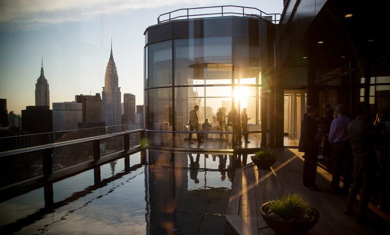 Manhattan real estate prices reach new record with buying 'frenzy'
