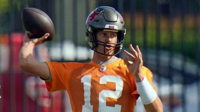 NFL training camp updates -- Super Bowl champ Buccaneers on field, Lions Olympic watch party, more