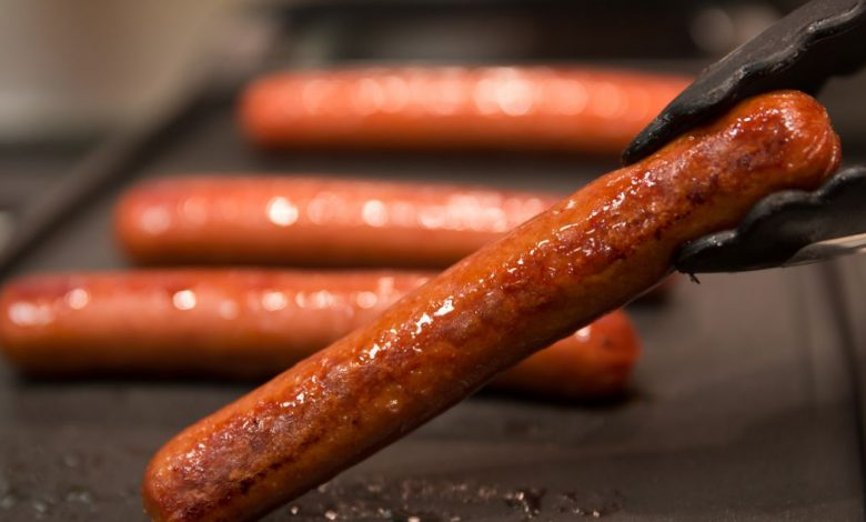 Package hot dogs and buns in equal numbers, petition pleads