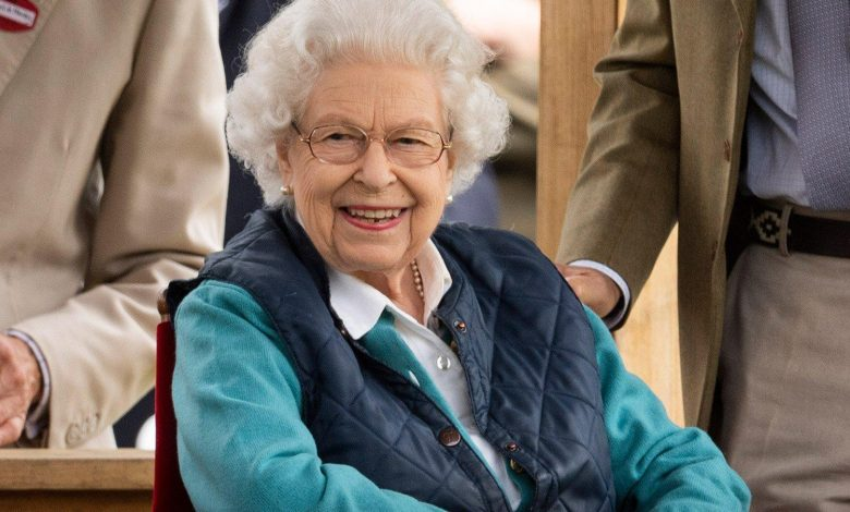 Queen Elizabeth Smiles While Enjoying Fun Day Out at the Annual Royal Windsor Horse Show