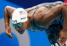 Simone Manuel returns to Tokyo Olympics pool after long layoff, advances in 50-meter freestyle