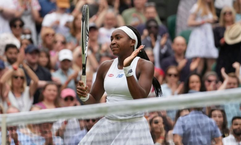 Two years after bursting onto the scene at Wimbledon, 17-year-old Coco Gauff advances to third round